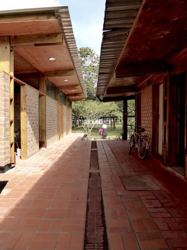 mzuzu-malawi-africa-clinic-architect-5
